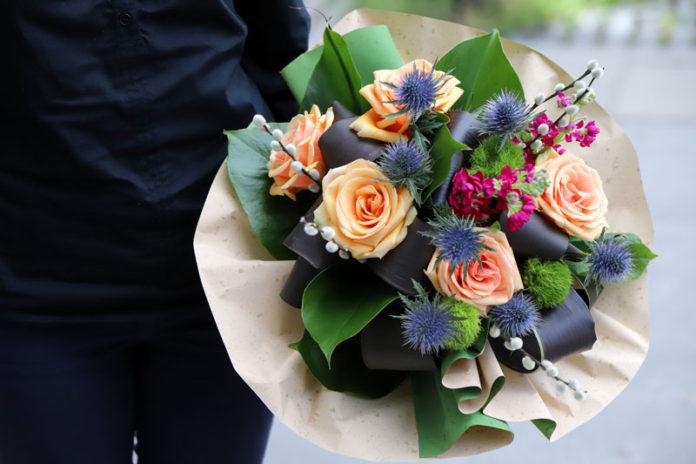 Aranjamentele Florale şi Efectele Psihologice Ale Culorilor