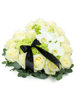 Inima funerara cu flori albe