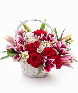 Coş elegant trandafiri si eustoma