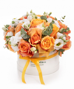 Box with orange roses and eustoma