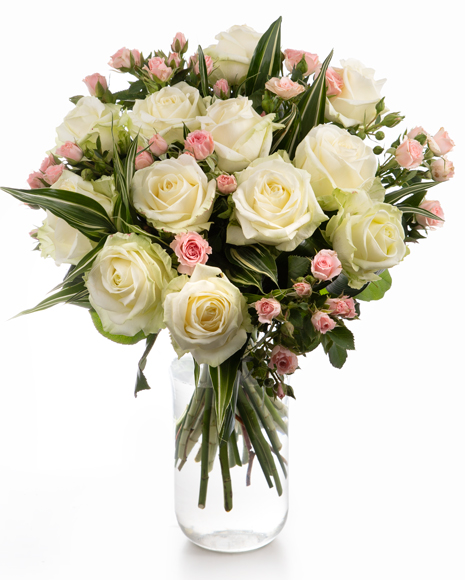 Buchet cu trandafiri albi și roz