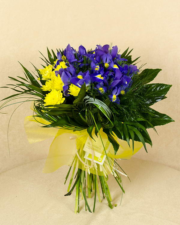 Bouquet with irises and yellow chrysanthemums