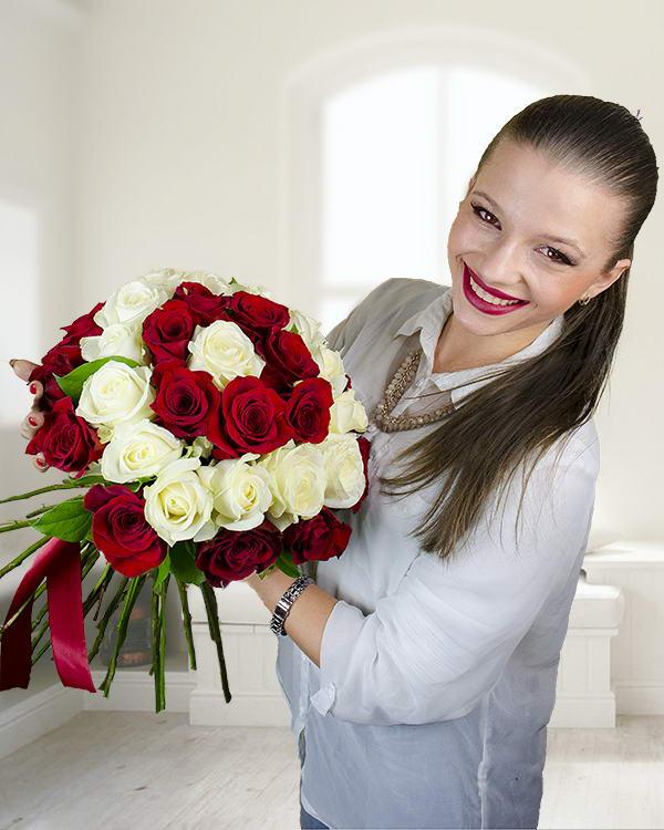 Buchet 39 trandafiri roşii și albi