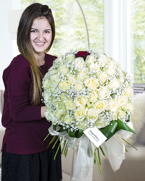 100 white roses and one red