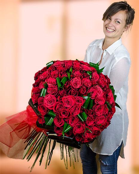 Buchet cu 101 trandafiri roşii Freedom
