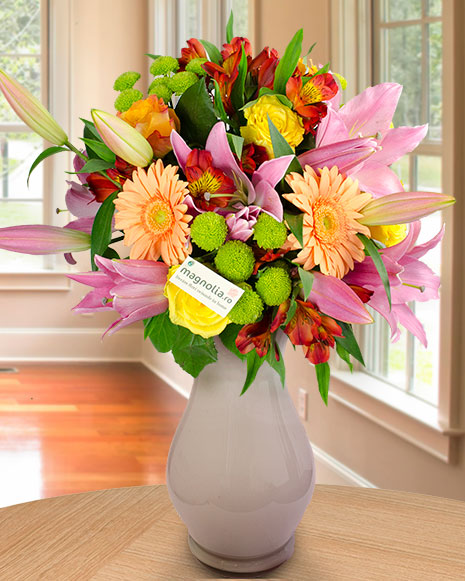 Bouquet with lilies, roses and gerbera