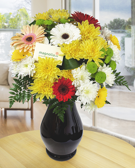 Round bouquet with mix flowers
