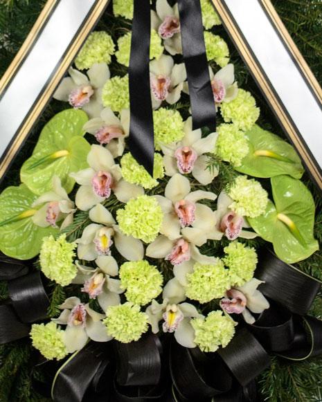 Coroana funerara cu orhidee si garoafe