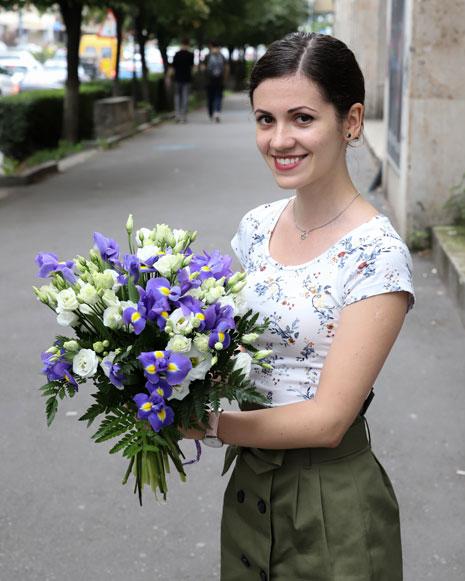 Bouquet of irises and eustoma