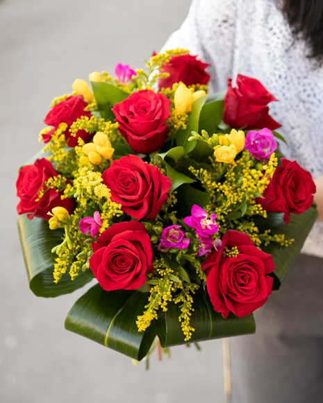 Bouquet of freesias and roses