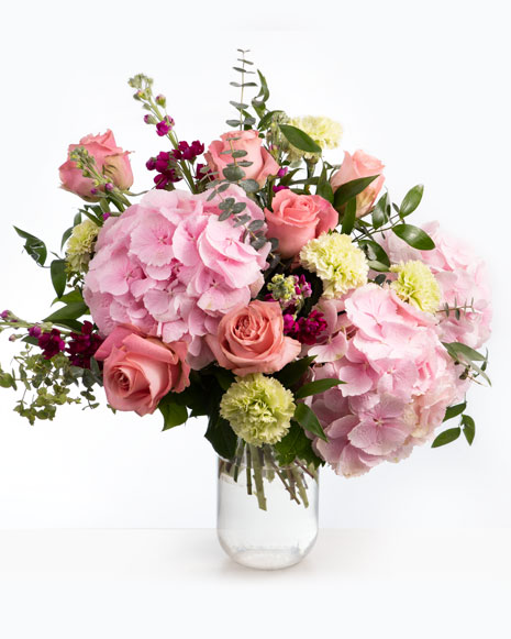 Buchet cu trandafiri roz si hortensie