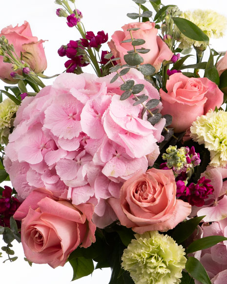 Buchet cu trandafiri roz și hortensie