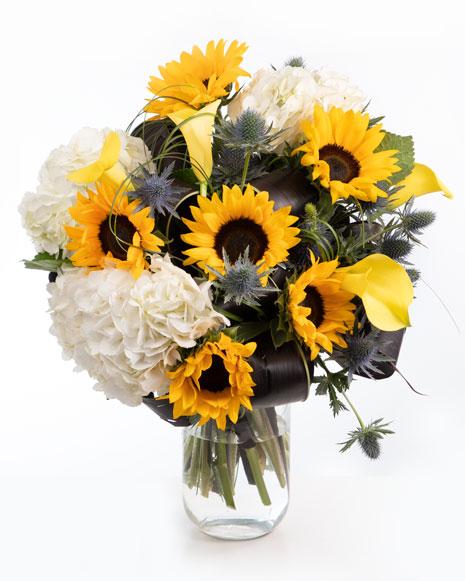 Buchet cu floarea soarelui şi hortensii