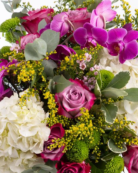Buchet cu hortensii și orhidee