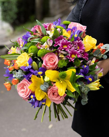 Buchet flori in culori pastel