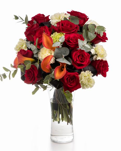 Buchet cu trandafiri roșii, cale și garoafe