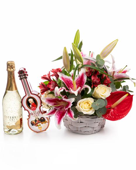 Coş flori, ciocolată şi şampanie
