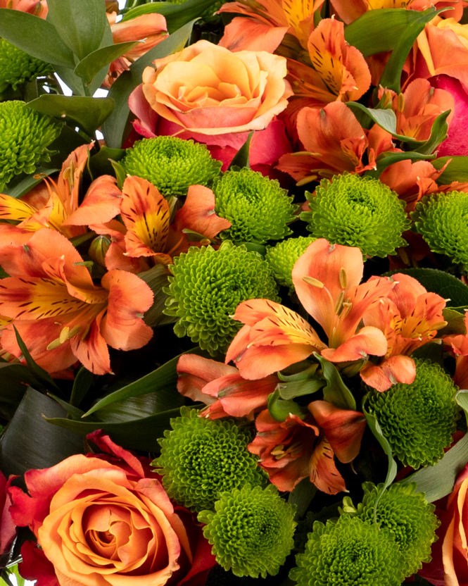 Chrysanthemums and roses bouquet