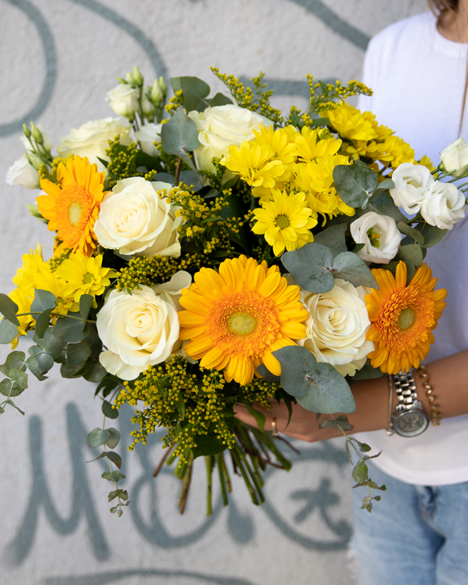 Bouquet with white roses, chrysanthemum and gerbera