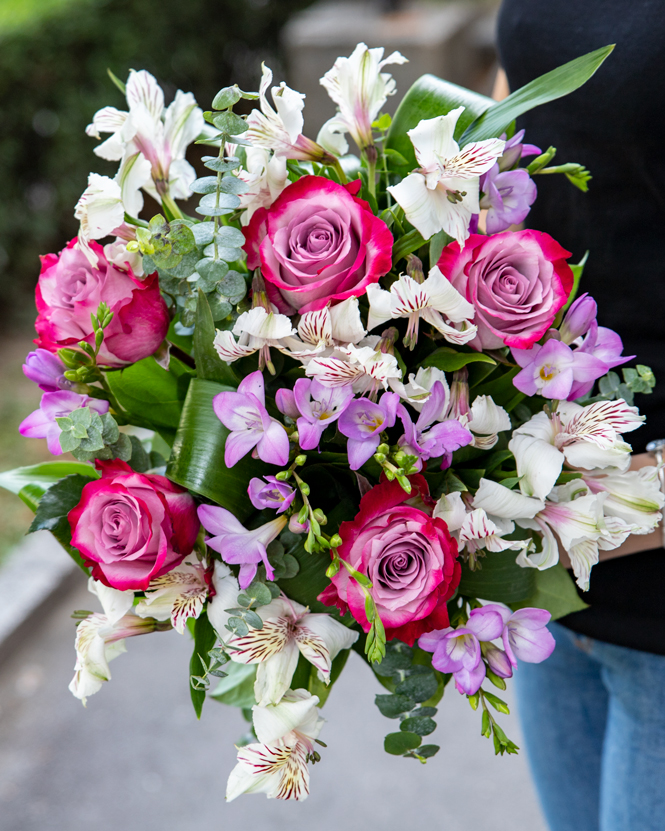 Bouquet of freesias and alstroemeria
