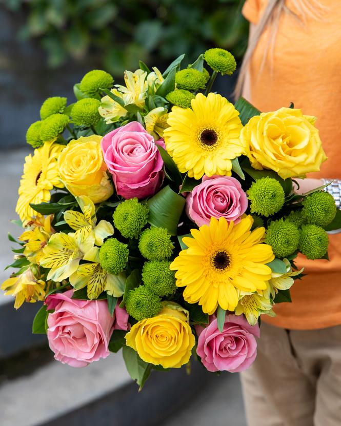 Buchet de flori Mihaela