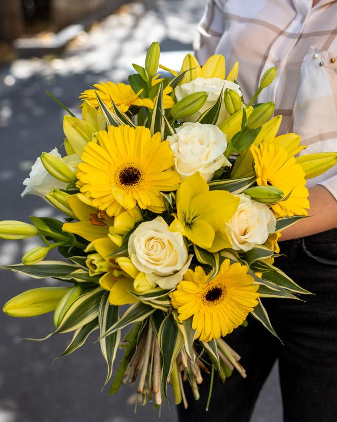 Nicoleta flower bouquet