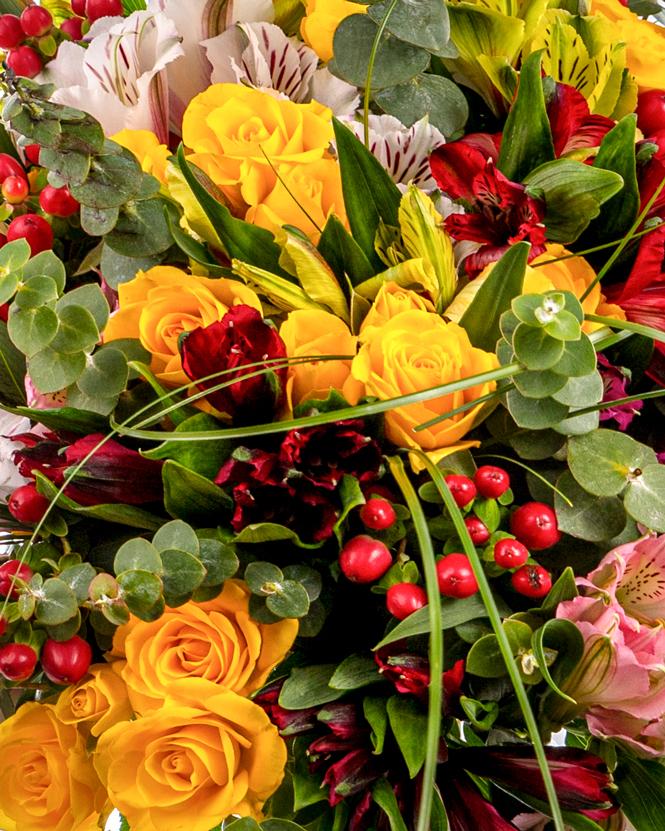 Buchet cu alstroemeria si trandafiri galbeni