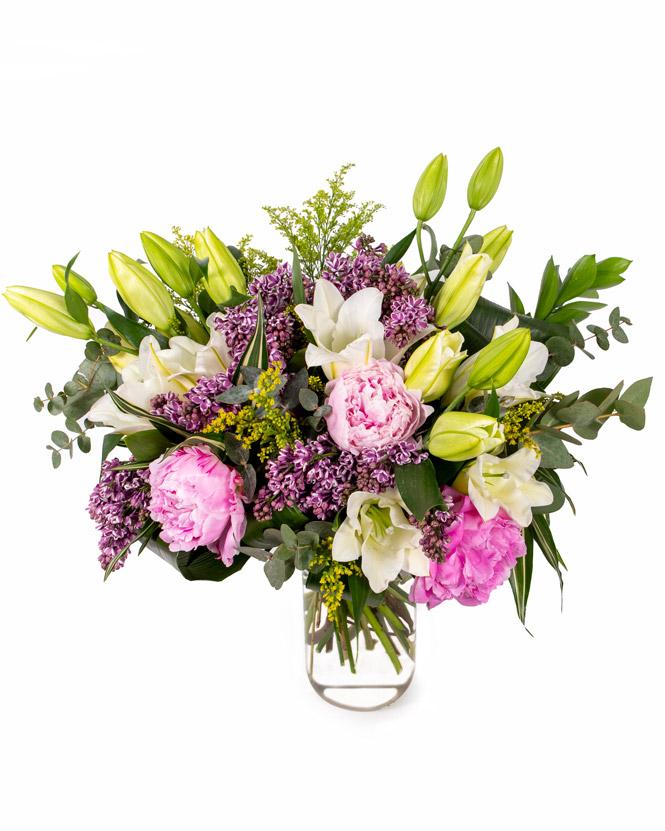 Buchet de flori cu liliac