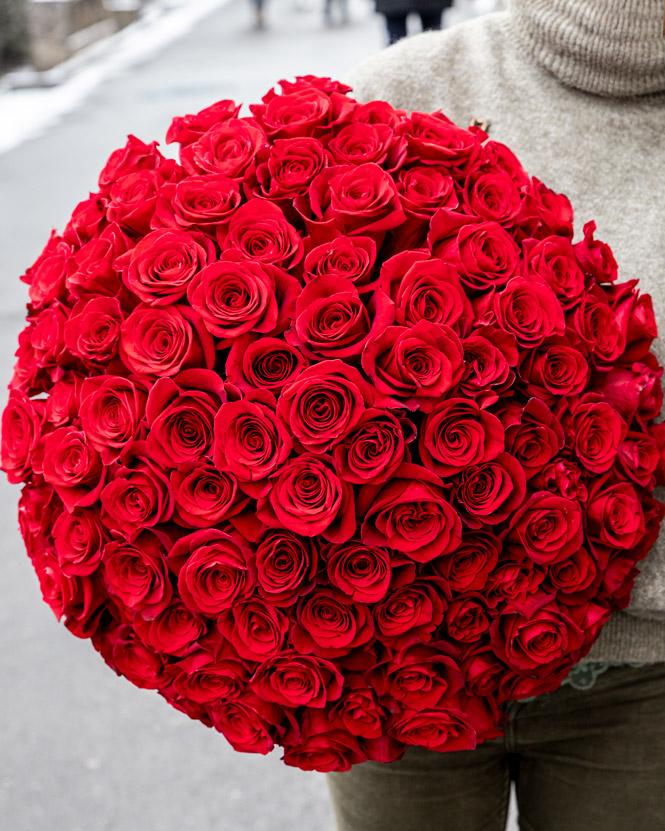 Buchet 101 trandafiri roşii Freedom
