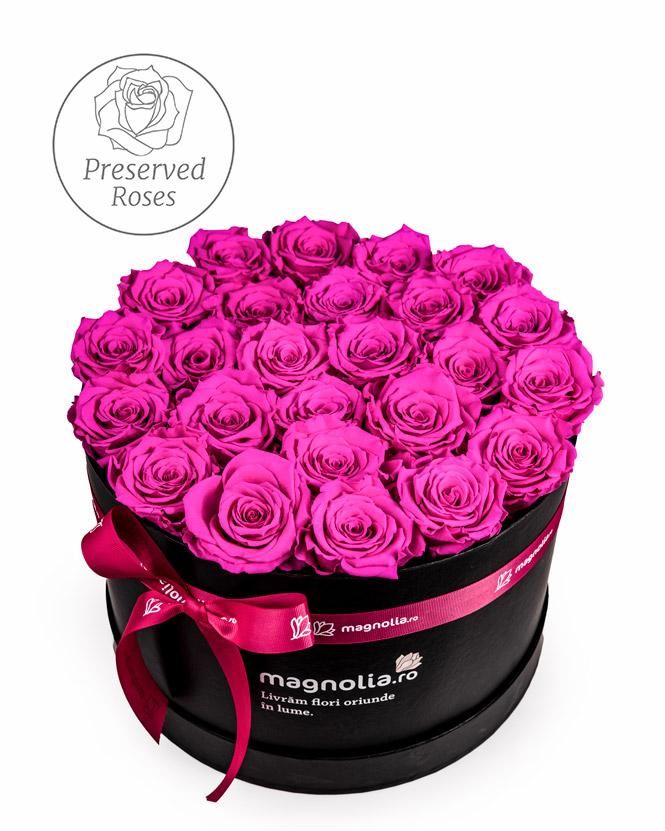 Pink preserved roses in black box