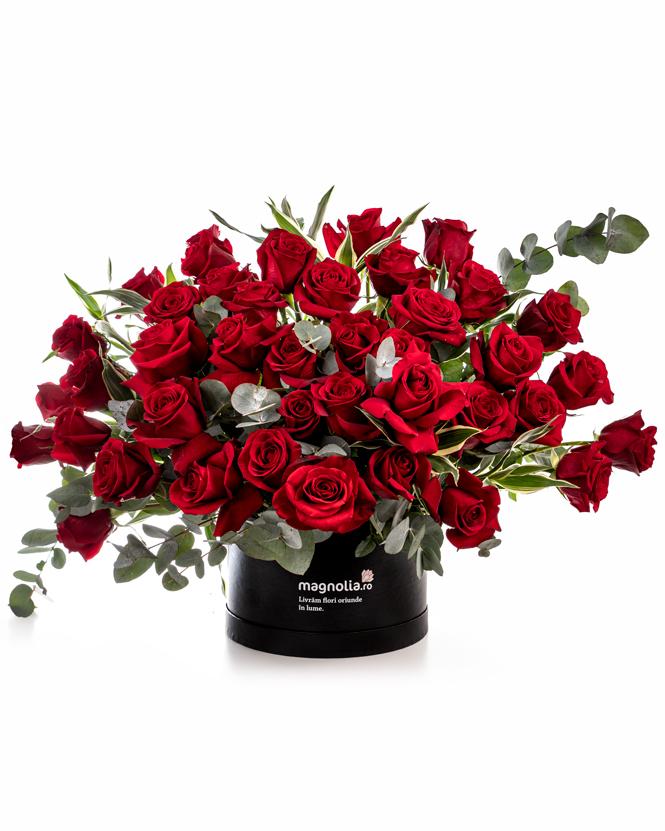 Aranjament cu trandafiri roșii