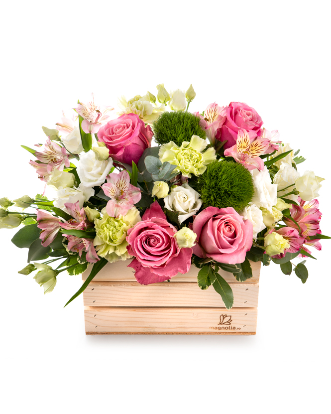 Wooden box with delicate flowers