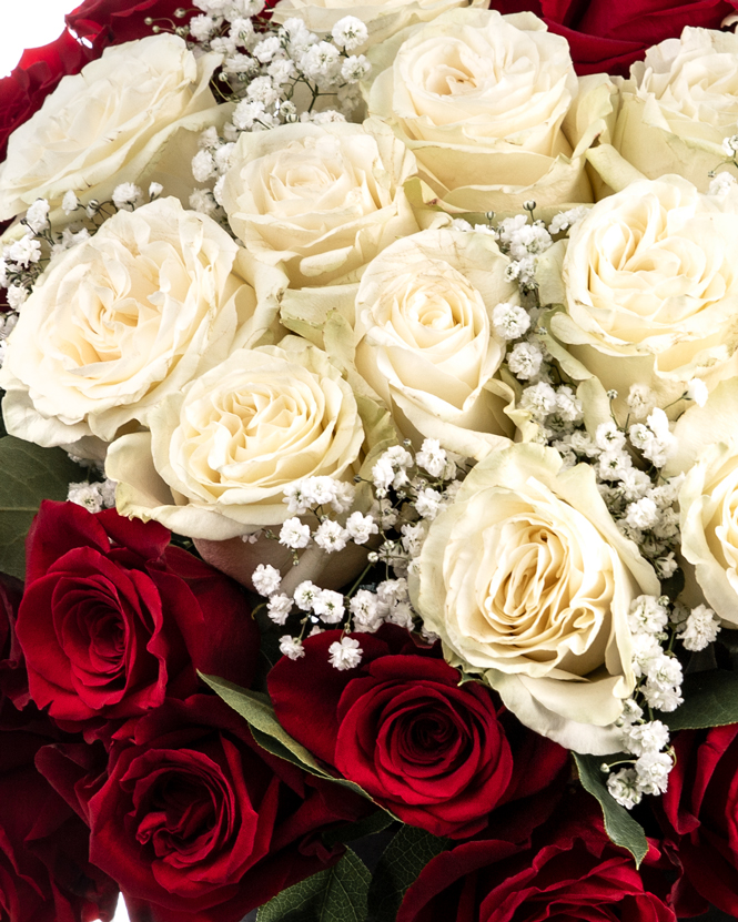 """""""I love you"""" box of roses"""