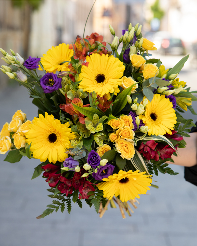 Bouquet with gerbera, roses and alstroemeria