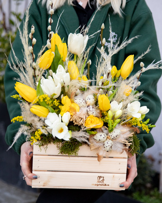 Bright Easter arrangement