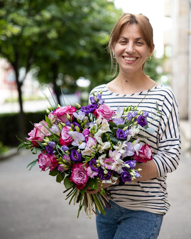 Bouquet of freesias and alstroemeria