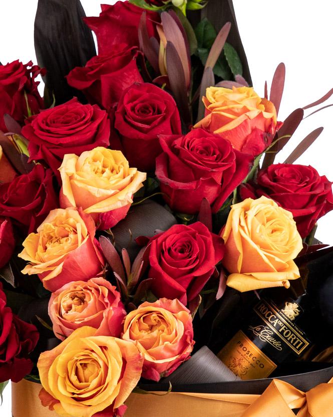Aranjament cu trandafiri şi vin spumant
