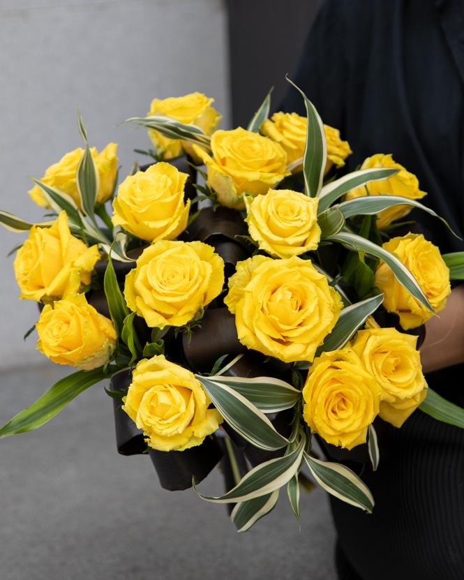 Buchet cu trandafiri galbeni