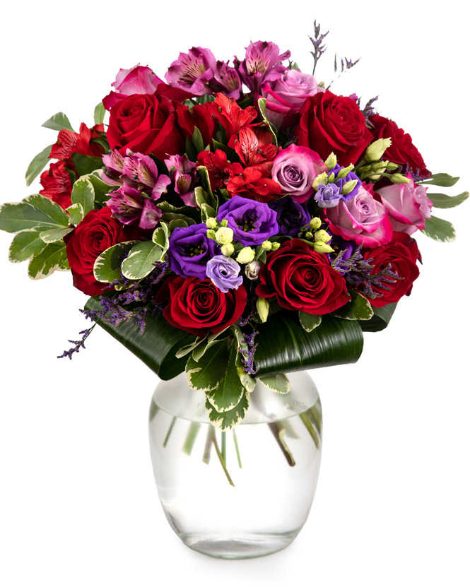 Bouquet of alstroemeria and roses