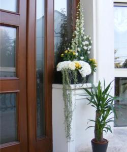 Aranjamente florale de nuntă pentru sală, mese şi outdoor (4)