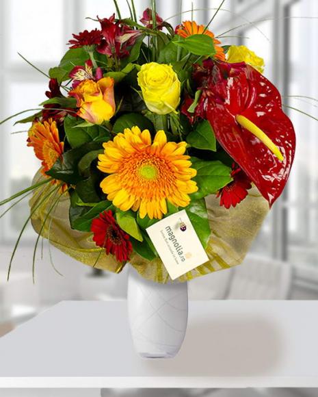 Buchet cu Anthurium Gerbera şi Trandafiri poza 2