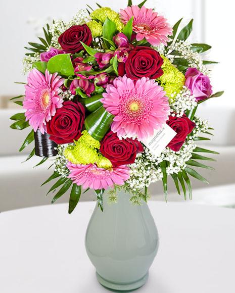 Buchet cu flori  în culori  vesele