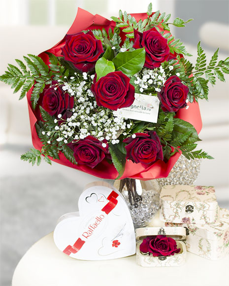 Buchet 7 trandafiri roşii cu Raffaello poza 2