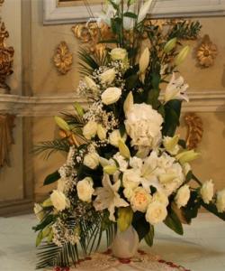 Aranjamente pt Biserică şi aranjamente florale de maşină