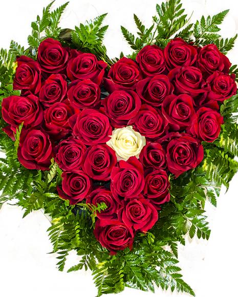 Inimă cu 31 trandafiri roşii