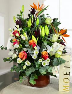 Aranjament floral cu Moet & Chandon