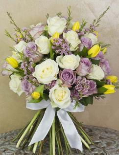 Buchet de lux cu trandafiri şi lalele