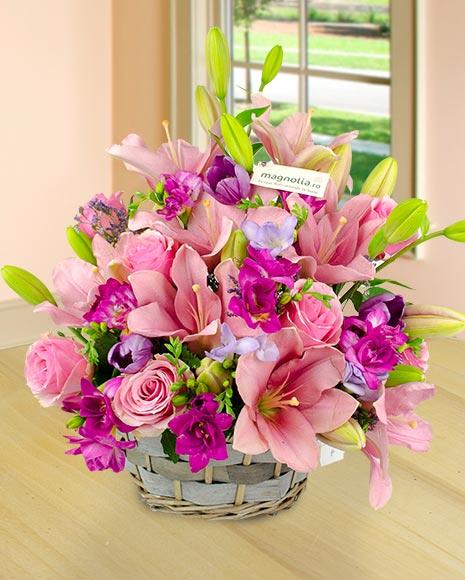 Coşuleţ cu flori roz