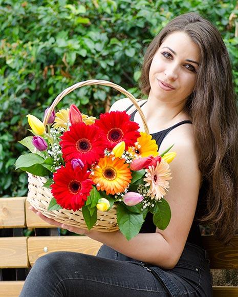 Cosulet cu flori de primavara