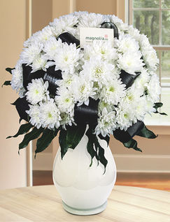 Buchet funerar cu flori albe